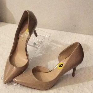 NEW Jessica Simpson beige pointed toe high heel #9